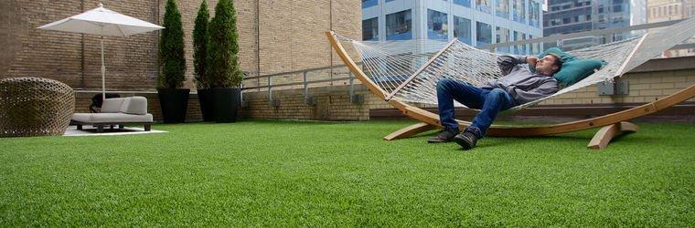 Трава искусственная в рулонах